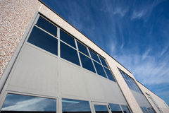 Vista exterior del pasillo industrial Foto de archivo