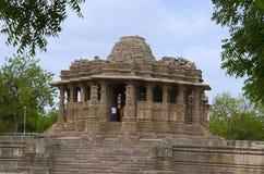 Vista exterior do templo de Sun Em 1026-27 ANÚNCIO construído durante o reino de Bhima mim da dinastia de Chaulukya, Modhera, Meh fotos de stock royalty free
