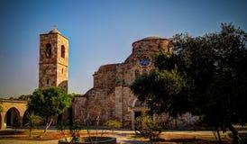Vista exterior a Saint Barnabas Monastery, Famagusta, Chipre do norte imagens de stock