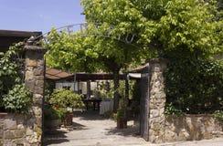 Vista externa de la entrada del restaurante tradicional histórico de Edy Piu Fotos de archivo