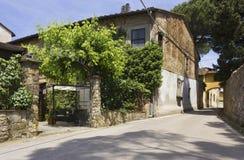 Vista externa de la entrada del restaurante tradicional histórico de Edy Piu Imagen de archivo