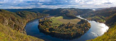 Vista famosa no rio de Vltava, República Checa fotografia de stock royalty free