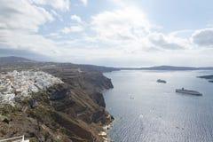 Vista famosa sobre a vila de Oia na ilha Santorini, Grécia Fotografia de Stock