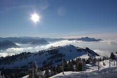 Vista fantastica delle alpi sul Rigi fotografia stock