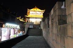 Vista Fenghuang, provincia del Hunan, Cina di notte Immagine Stock
