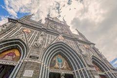 Vista frontal da catedral de Las Lajas em Ipiales, Colômbia imagem de stock royalty free