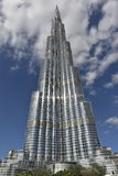 Vista frontal de Burj Khalifa, Dubai, Emiratos Árabes Unidos Fotos de Stock Royalty Free