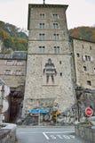 Vista frontal de la fortaleza del St Maurice History, cantón de Vaud, Suiza Fotografía de archivo