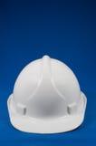 Vista frontale del cappello duro bianco Fotografie Stock Libere da Diritti