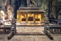 Vista frontale dell'altare di pietra Fotografia Stock Libera da Diritti