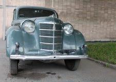 Vista frontale della retro automobile Fotografia Stock Libera da Diritti