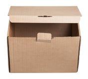 Vista frontale della scatola di cartone leggermente aperta isolata Immagine Stock Libera da Diritti