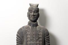 Vista frontale della statua cinese del guerriero di terracotta Fotografie Stock