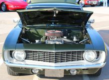 Vista frontale di Chevy Camaro antico verde scuro Immagine Stock Libera da Diritti