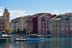 Vista frontale di Lakeside dell'hotel della baia di Portofino dell'italiano Cartolina di viaggio fotografie stock libere da diritti