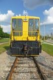 Vista frontale locomotiva gialla Immagini Stock