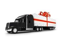 Vista frontale nero-rossa isolata camion attuale Fotografia Stock Libera da Diritti