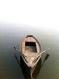 Vista frontale Varanasi della barca di fila immagine stock libera da diritti