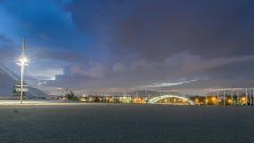 Vista futuristica di Atene contro un cielo drammatico Immagini Stock Libere da Diritti