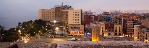 Vista De La Ciudad Catalana Con La Catedral En Tiempo De La Tarde