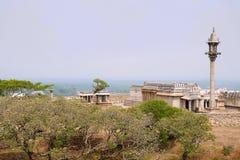 Vista general del complejo del templo de la colina de Chandragiri, Sravanabelgola, Karnataka Fotografía de archivo
