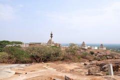 Vista general del complejo del templo de la colina de Chandragiri, Sravanabelgola, Karnataka Foto de archivo libre de regalías