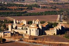 Vista general del monasterio de Poblet Imagen de archivo libre de regalías