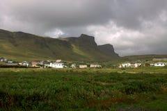 Vista generale alla città di Vik in Islanda Fotografia Stock Libera da Diritti