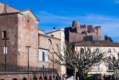Vista generale del castello di Cardona nel giorno di inverno La Catalogna, Spai Fotografia Stock Libera da Diritti