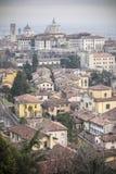 Vista generale della città di area medievale, Citta Alta, Bergamo, lombardo Immagini Stock Libere da Diritti