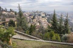 Vista generale della città di area medievale, Citta Alta, Bergamo, lombardo Immagine Stock