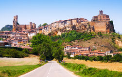 Vista generale di Frias di estate Burgos immagine stock