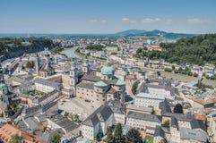 Vista generale di Salisburgo dalla fortezza di Salisburgo (Festung Hohenzalsb Fotografia Stock Libera da Diritti