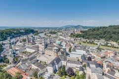 Vista generale di Salisburgo dalla fortezza di Salisburgo (Festung Hohenzalsb Immagini Stock