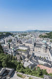 Vista generale di Salisburgo dalla fortezza di Salisburgo (Festung Hohenzalsb Fotografie Stock