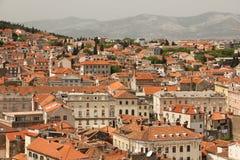 Vista generale tetti spaccatura La Croazia Immagini Stock Libere da Diritti