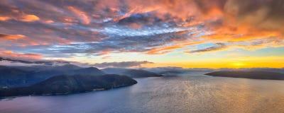 Vista geral aérea do fiorde norueguês Fotografia de Stock Royalty Free