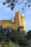 Vista geral amarela da parte do palácio de Pena Nacional Foto de Stock