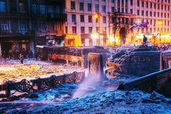 Vista geral da barricada na rua de Hrushevskogo em Kiev, Ukrain Foto de Stock