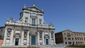 Vista geral da basílica de Santa Maria em Porto video estoque