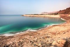 Vista geral da costa de Mar Morto de fotografia de stock royalty free