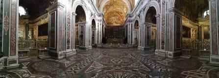 Vista geral da igreja de San Martino fotografia de stock