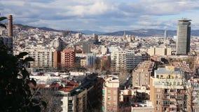 Vista geral de Barcelona do ponto culminante vídeos de arquivo