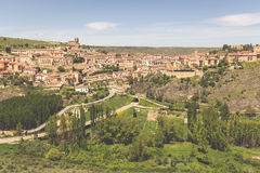 Vista geral de Sepulveda, na província de Segovia, Espanha imagens de stock