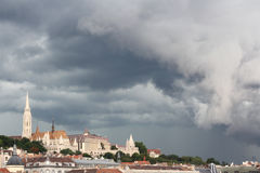 Vista geral em Budapest antes do temporal hungria Fotografia de Stock
