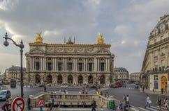 Vista granangular de la fachada del teatro de la ópera del Palais Garnier Imagen de archivo