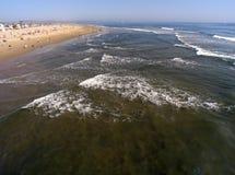 Vista grandangolare del mare e del puntello Fotografia Stock