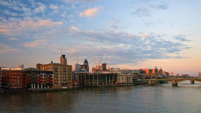 Vista hacia el área de la calle de Liverpool, Londres Imagenes de archivo