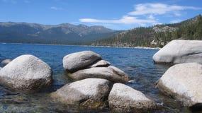 Vista hacia el pueblo el lago Tahoe de la pendiente Fotografía de archivo libre de regalías