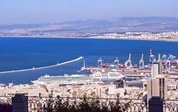 Vista Haifa Bay e porto de Louis Promenade imagem de stock
